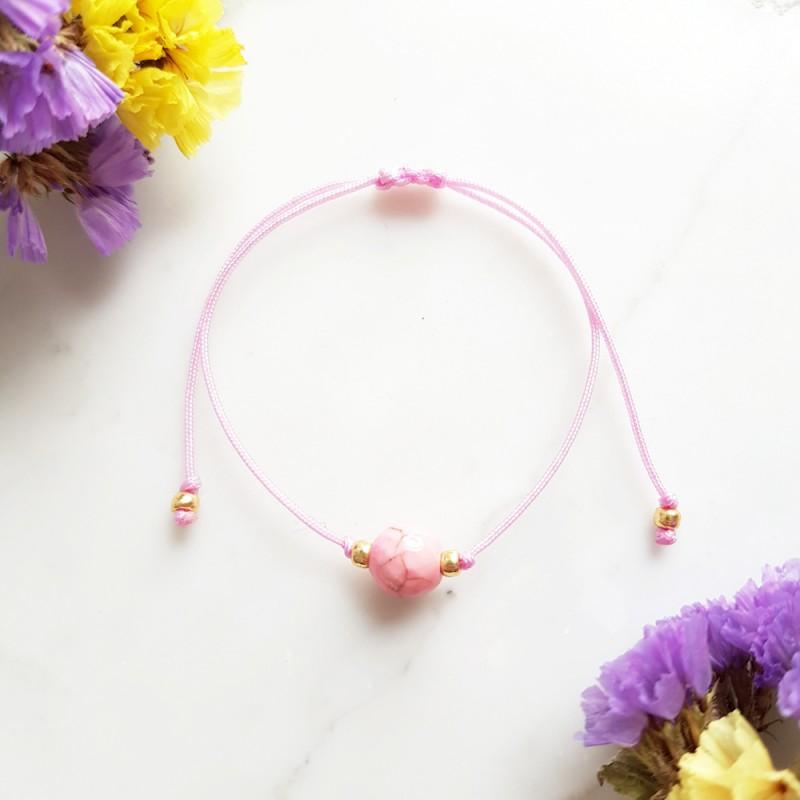 Bransoletka dla dzieci różowy howlit na cukierkowym sznurku