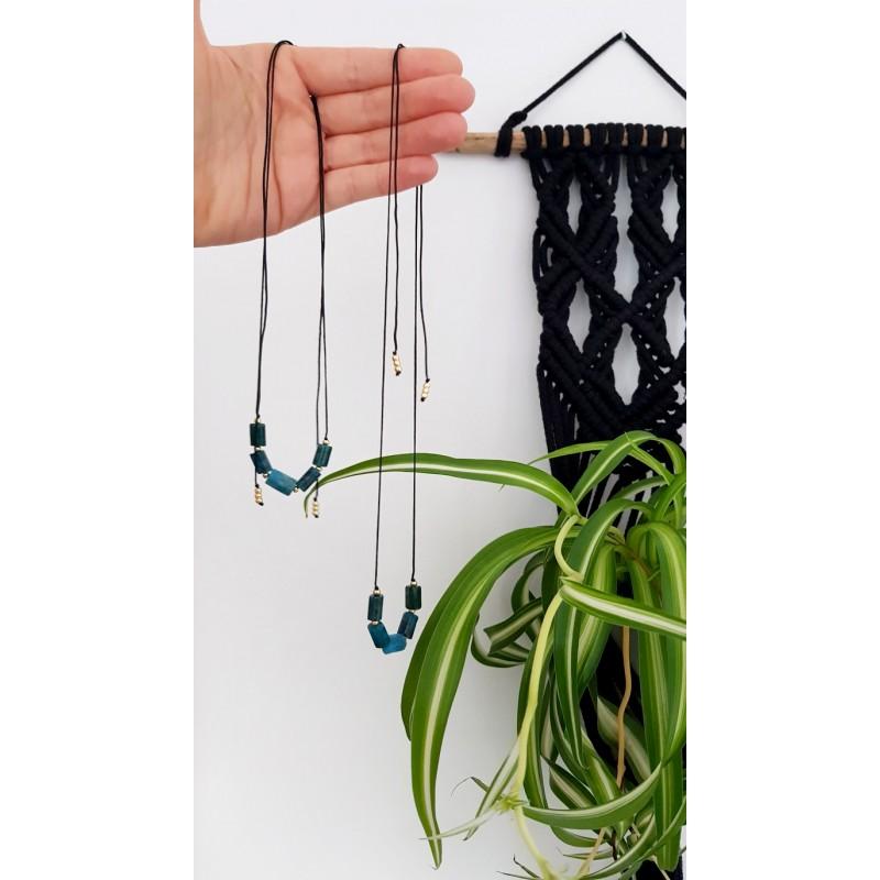 Beżowa bransoletka dla dzieci ze szklanych koralików miś